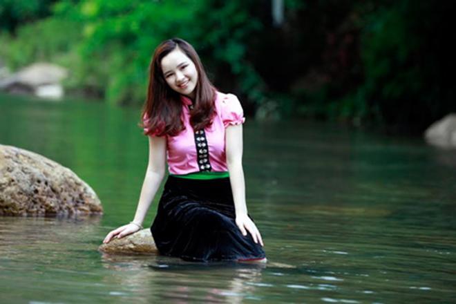 Linh Hương - Siêu Phẩm Gái Xinh, Ngực To Body Đẹp, Eo Thon