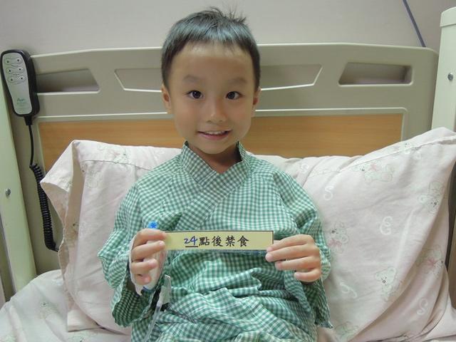 Bé 7 tuổi bụng đầy kí sinh trùng vì ngày nào ông nội cũng cho ăn món ưa thích
