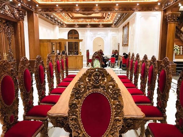 Đám cưới được bố vợ tặng 200 cây vàng: Choáng ngợp cảnh tượng bên trong lâu đài nhà cô dâu