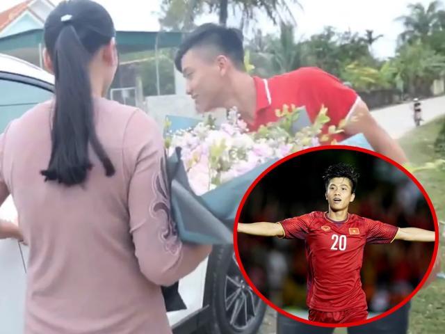Cầu thủ điển trai Phan Văn Đức tậu xế hộp tiền tỷ khiến mẹ đẻ vỡ òa xúc động