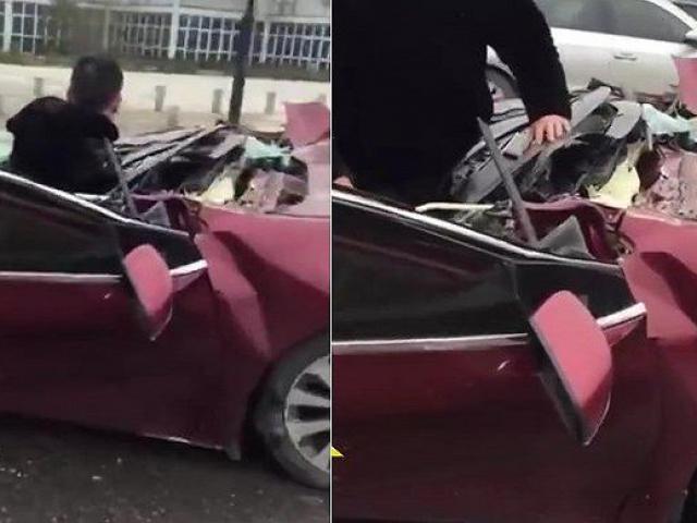 Ô tô con bị cắt bay nóc sau tai nạn, tài xế sống sót kỳ diệu