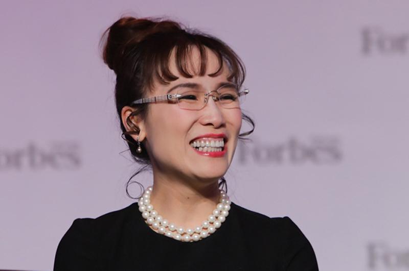 Theo dữ liệu từ Forbes năm 2018, bà Thảo là người phụ nữ quyền lực thứ 44 của thế giới. Ngoài ra, Forbes cũng ước tínhkhối tài sản mà bà Thảo hiện nắm giữ khoảng 2,6 tỉ USD và đứng thứ 766 trong danh sáchnhững người giàu có nhất thế giới.