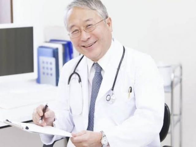 Bốn bác sĩ sống khỏe mạnh dù bị ung thư, chỉ nhờ vào 6 bí quyết tốt ngang thần dược