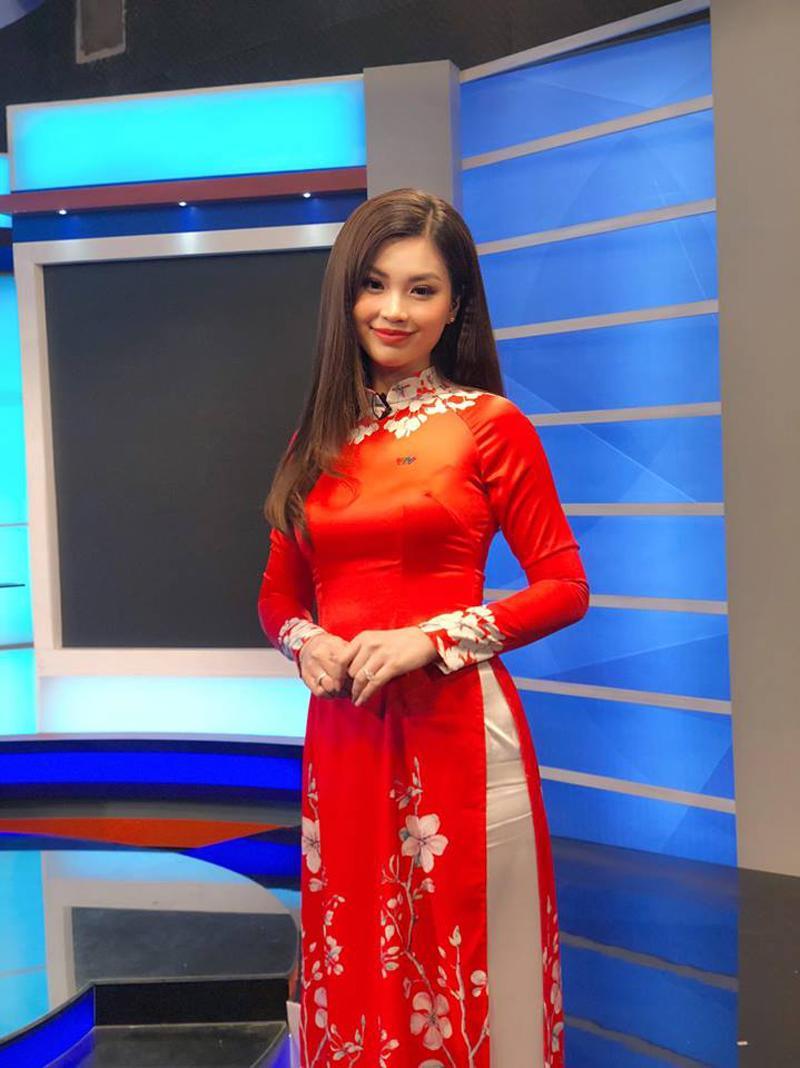 Á hậu 2 Hoa hậu Việt Nam 2014, Diễm Trang là một trong những mỹ nhân tài sắc vẹn toàn của showbiz Việt.Cô lên sóng chương trình Toàn cảnh 24h (VTV9), và nhận được nhiều phản hồi tích cực từ người hâm mộ.