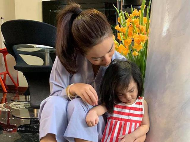 Sao Việt 24h: 7 ngày sau khi bé thứ 2 nhập ngũ sớm, Phạm Quỳnh Anh vẫn còn xót xa