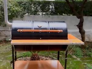 Độc đáo lò nướng BBQ làm từ thùng phuy 200 lít