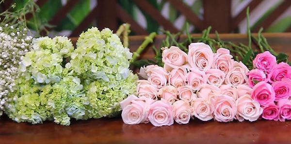 Cách cắm hoa hồng đẹp đơn giản phù hợp với mọi không gian trang trí marry
