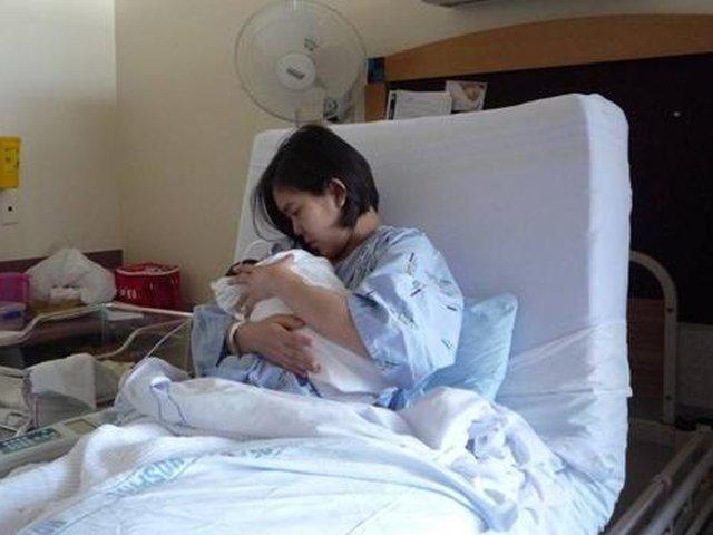 Mẹ Khánh Hòa đẻ con tại nhà, nhập viện cấp cứu nhưng nhất định không cho bác sĩ can thiệp