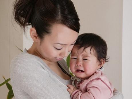 Trẻ 2 tuổi khóc đêm: Cách khắc phục các vấn đề về giấc ngủ của bé