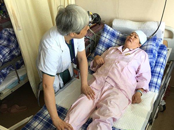 Bà mẹ 59 tuổi đau buốt vùng dưới, nhập viện kiểm tra bác sĩ mắng không ngừng