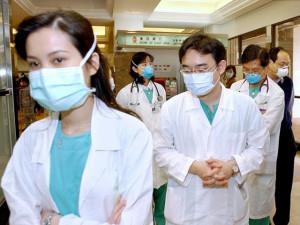 Bệnh viêm phổi do virus tái xuất ở Trung Quốc: Hà Nội đã tìm cách đối phó như thế nào?
