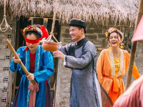 Lâm Vỹ Dạ, Phạm Quỳnh Anh bị bố chồng Xuân Bắc hành trong show Tết