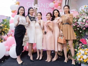 Dàn hoa hậu, á hậu, hot mom quy tụ tại lễ khai trương Suri Store 152 Lê Duẩn