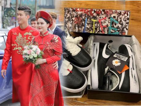 Đám cưới không lâu Duy Mạnh mua giày đôi cho vợ ăn Tết, giá có khi lên đến nửa tỷ!