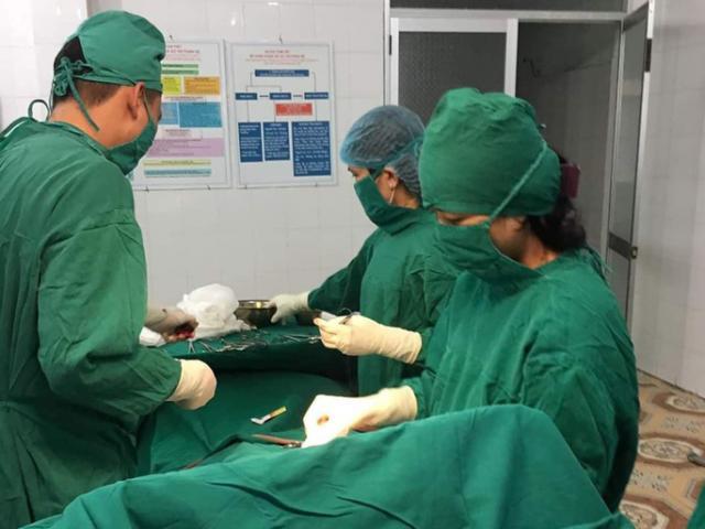 Mẹ bầu Quảng Bình nhập viện đúng mùng 2 Tết, BS hốt hoảng bỏ dở ca mổ đi cấp cứu