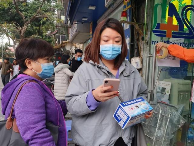 Lo sợ dịch virus corona: Khẩu trang y tế cháy hàng, 150.000 đồng/hộp cũng không có để mua