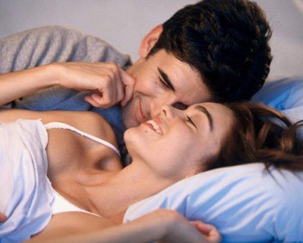 7 hành động vợ giả vờ vô tình làm, nhưng lại khiến chồng phấn khích đến phát điên