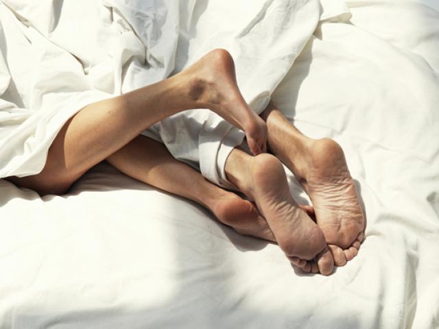 Dù đàn ông hay phụ nữ, làm 1 việc này trước khi yêu vừa ngừa bệnh lại dễ lên đỉnh