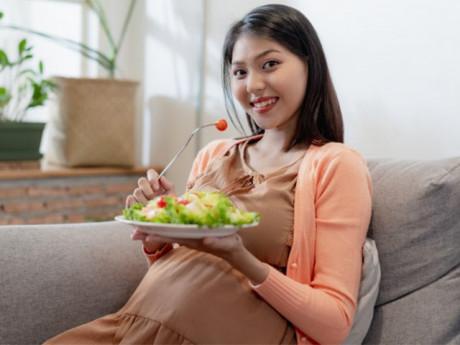 5 siêu thực phẩm mẹ bầu ăn nhiều, con sinh ra sẽ thông minh