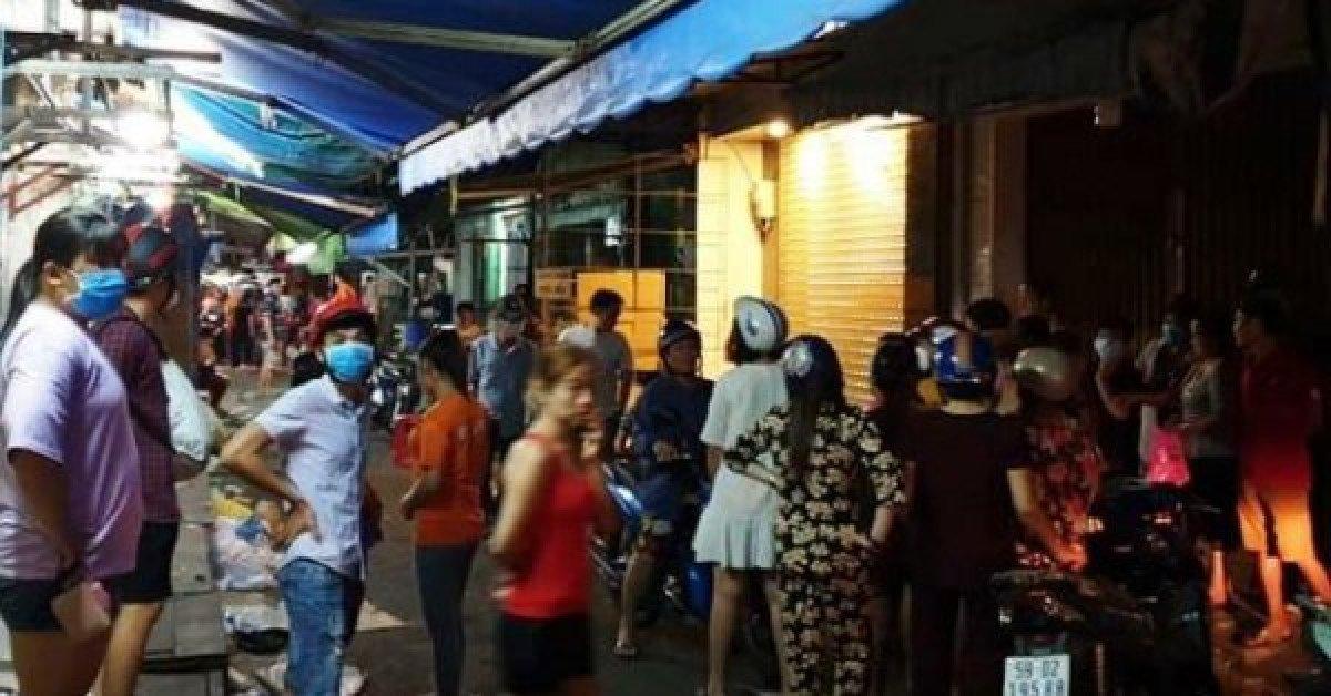 Lời khai người vợ đâm chết chồng giữa chợ ở Sài Gòn