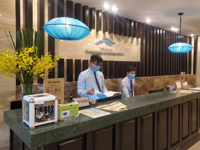 Khách sạn giảm giá đến 70% vẫn vắng khách, nhân viên được cho nghỉ về quê chờ hết dịch