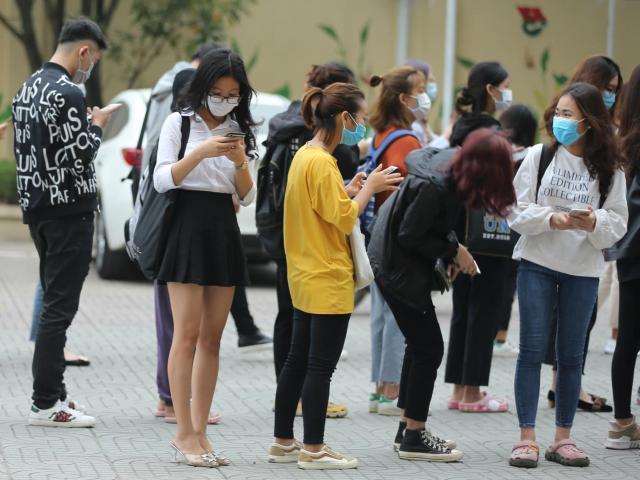 COVID-19 ngày 2/3: Nhiều ĐH ở TP.HCM đổi lịch phút chót, số ca nhiễm ở Hàn Quốc, Ý tăng vọt