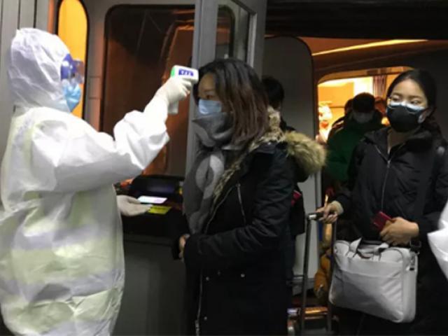 Ca nhiễm COVID-19 thứ 21 cùng ở phường Trúc Bạch, ít nhất 50 người phải cách ly y tế