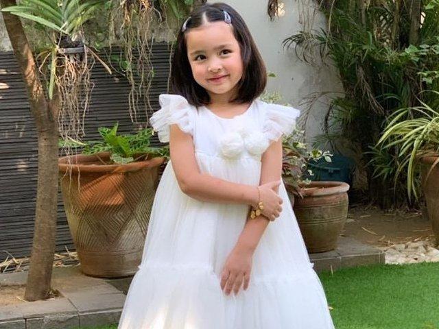 Mỹ nhân đẹp nhất Philippines khoe ảnh tốt nghiệp của con gái, bé có thần thái cực sang