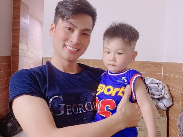1,5 tuổi, con Lâm Khánh Chi cao lớn, càng ngày càng điển trai y chang bố