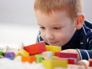 Dấu hiệu trẻ tự kỷ qua các giai đoạn cụ thể nhất