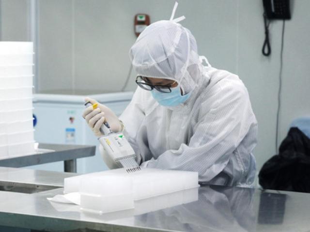 Tin tức 24h: 30 người nhiễm COVID-19, TP.HCM cảnh báo nguy cơ lây lan trong cộng đồng rất cao