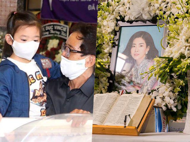 Đau xót câu nói của bé Lavie khi nhìn di ảnh Mai Phương: Mẹ lên thiên đàng khi nào về?