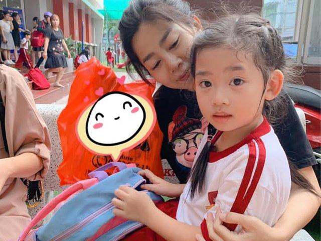 Trước khi mất, Mai Phương từng gắng gượng tự mình lái xe đưa con gái đi học