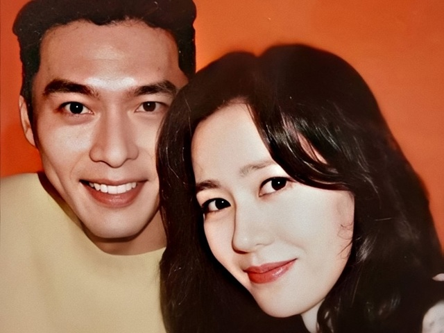 Công ty xác nhận, Son Ye Jin ngại ngùng nói về Hyun Bin, thái độ khiến fan phì cười