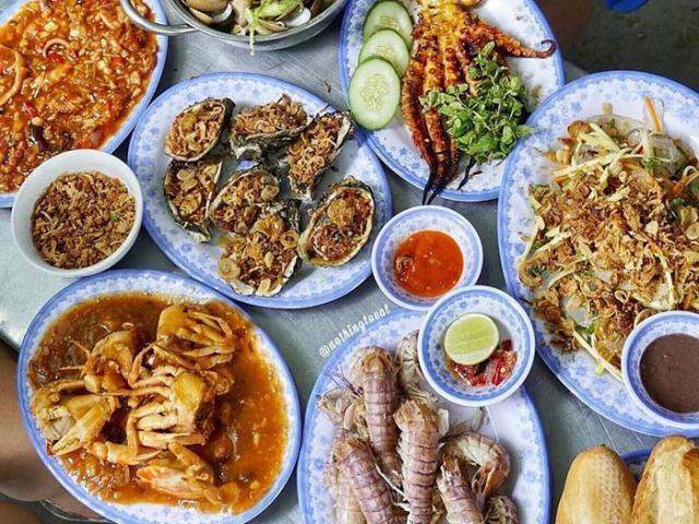 Đường vào lắt léo khó tìm nhưng quán hải sản Đà Nẵng này vẫn đông nghịt khách vì ngon-bổ-rẻ
