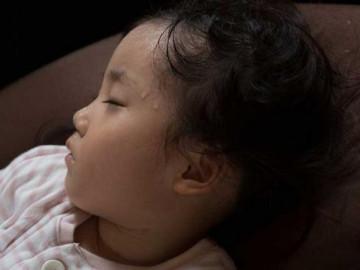 3 dấu hiệu khi ngủ có thể cảnh báo trẻ bị thiếu canxi, bổ sung ngay kẻo con chậm lớn