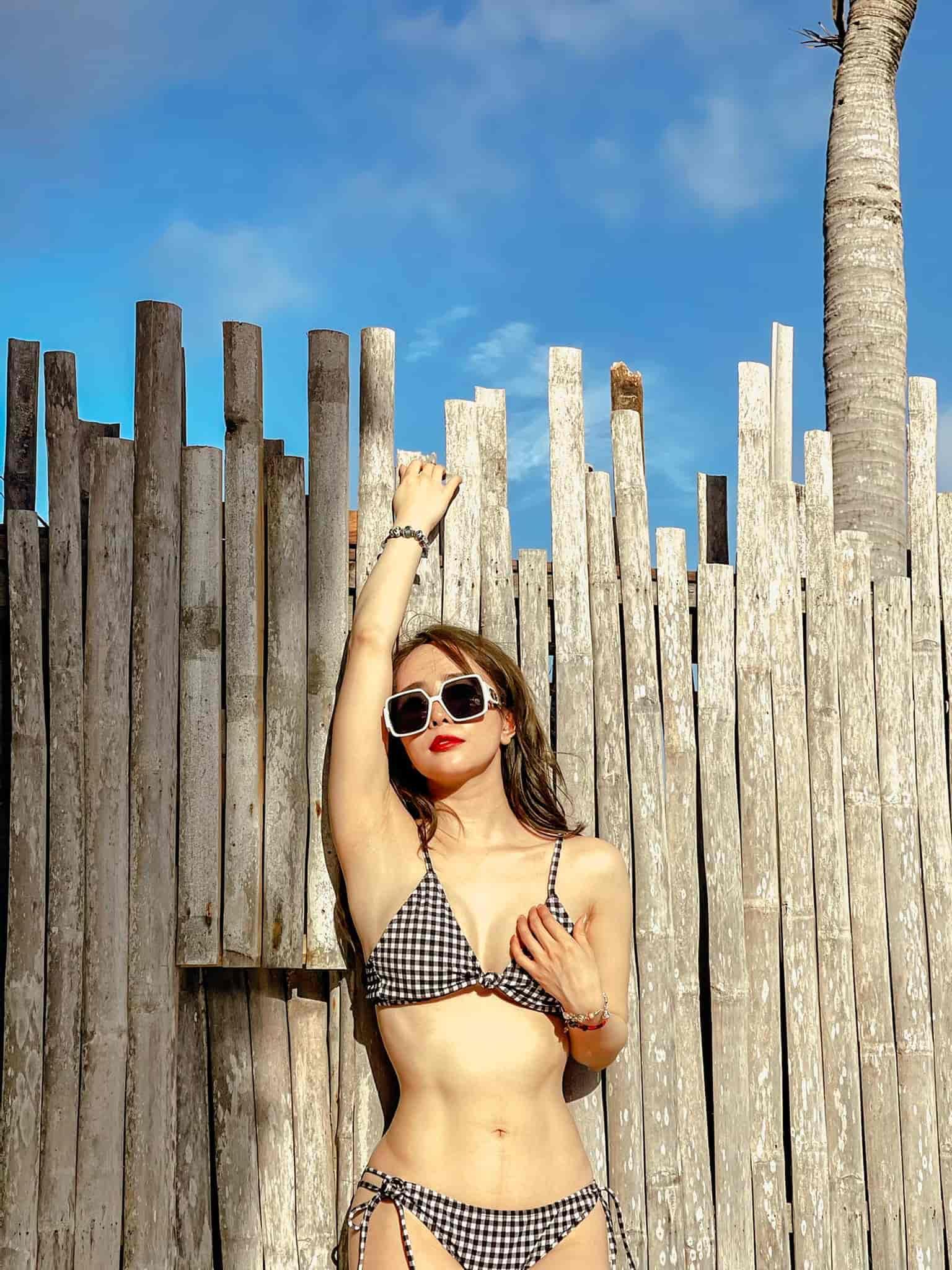 Quỳnh Nga thả ảnh mặc bikini khoe body vệ nữ, bụng nổi múi, Việt Anh vào khen câu mát lòng - 3