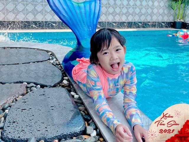 Tết đầu vắng mẹ, con gái Mai Phương xinh đẹp bên hồ bơi sang chảnh nhà Ốc Thanh Vân