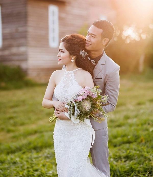 Cặp đôi Kiên Giang yêu nhau từ lớp 9, cưới về phát hiện từng nắm tay từ 20 năm trước