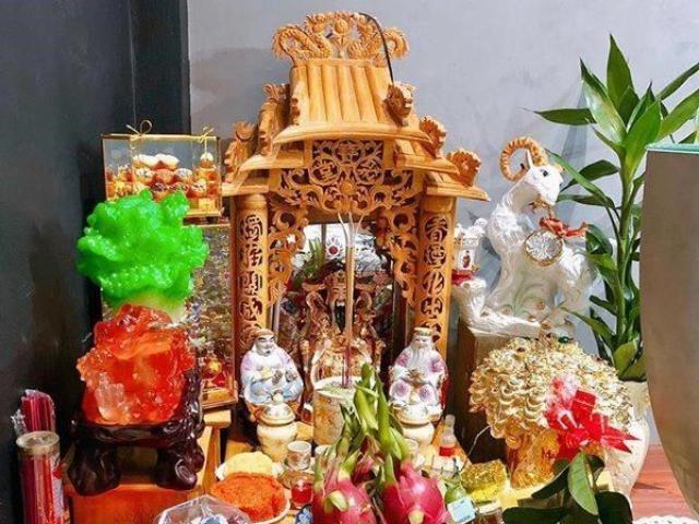 Những sai lầm trên bàn thờ ngày vía Thần Tài, mua vàng cũng không may bằng làm đúng