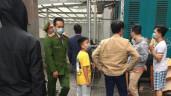 Bé gái 3 tuổi rơi từ tầng 12 chung cư Nguyễn Huy Tưởng, nam shipper nhanh tay đỡ được