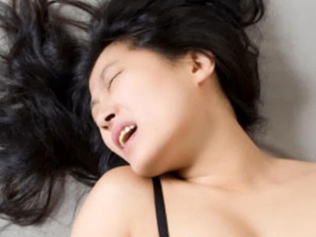 Cô gái mắc bệnh lạ có thể lên đỉnh 18 lần một đêm, thậm chí còn không cần quan hệ