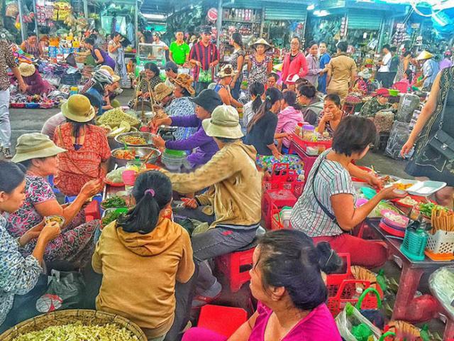 Thiên đường ẩm thực Đà Nẵng: Đi vào như lạc trong mê hồn trận, cái gì cũng muốn ăn