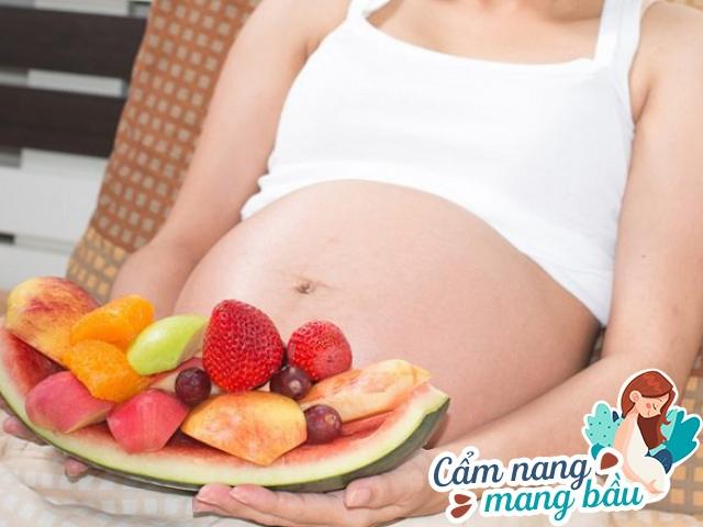 Ăn hoa quả tốt cho bà bầu nhưng tránh 3 loại này để không gây hại cho con