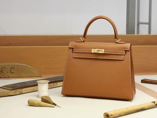 Quy trình làm ra một chiếc túi Hermès hoàn toàn thủ công