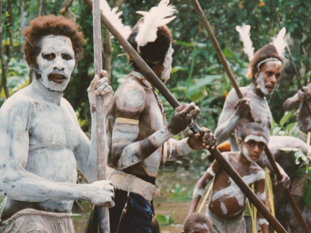 Khám phá sự thật kinh hoàng về những bộ tộc ăn thịt người trên thế giới