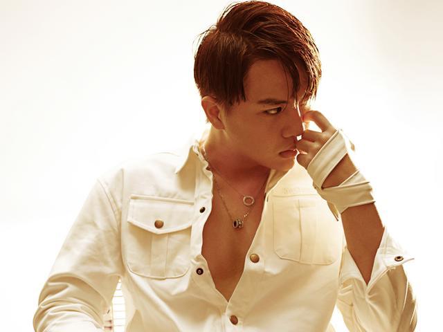 Hết giả gái, Duy Khánh Zhou Zhou bất ngờ nam tính và gai góc trong bộ ảnh mới nhất