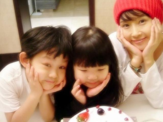 11 năm sau cái chết của Choi Jin Sil, con gái 16 tuổi chia sẻ tâm trạng gây xúc động