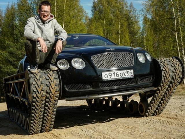 Siêu xe Bentley biến thành xe tăng vượt mọi địa hình