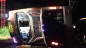 Hiện trường vụ lật xe khách ở Đồng Nai, 19 người thương vong